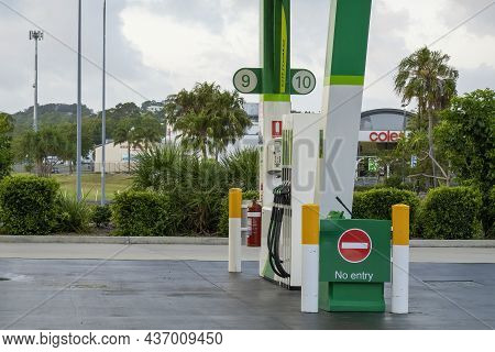 Mackay, Queensland, Australia - October 2021: An Empty Fuel Pump With No Vehicles Re-fueling At A Se