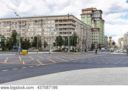 Moscow, Russia - August 23, 2021: View Of Garden Ring Road And Dolgorukovskaya Street In Moscow City