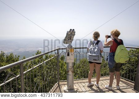Monte Amiata (si), Italy - August 01, 2021: Tourist On The Top Of Monte Amiata (1738 Mt), Tuscany, I
