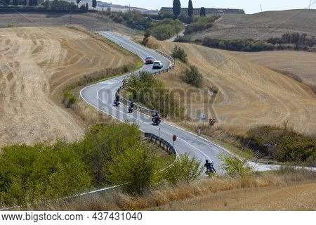 Asciano (si), Italy - August 02, 2021: Sp438 Road With A Typical Scenary Of Crete Senesi, Asciano, S