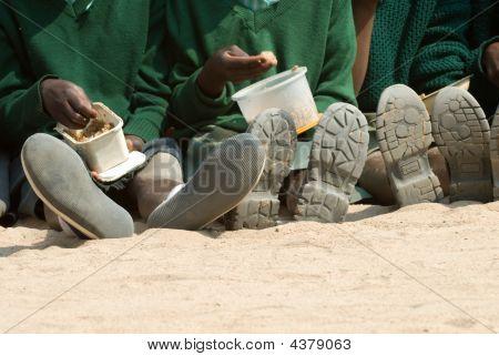 Kinder in einer Schule in Simbabwe