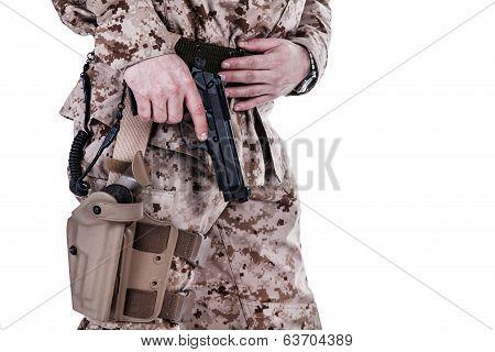extracting pistol