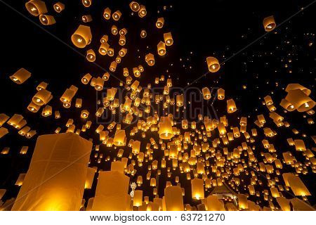 Loi Krathong and Yi Peng Festival