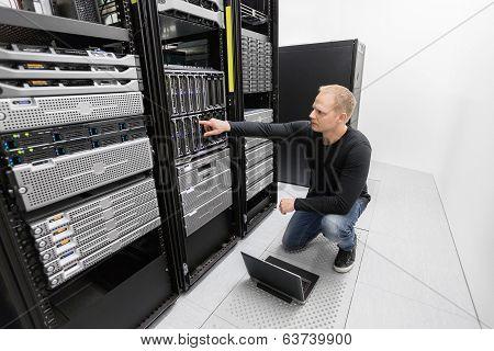 It consultant work in datacenter