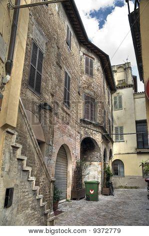 Alleyway. Foligno. Umbria.