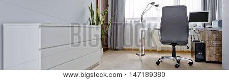 Simple Style Home Office Idea