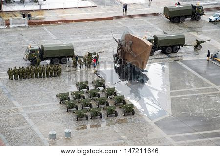 MOSCOW - FEB 23, 2016: Preparartion for salute on Poklonnaya Hill in Defender of Fatherland Day