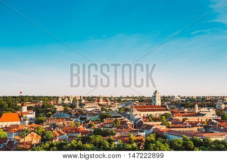 Sunset Sunrise Cityscape Of Vilnius, Lithuania In Summer. Beautiful Panoramic View Of Old Town In Evening. View From The Hill Of Upper Castle