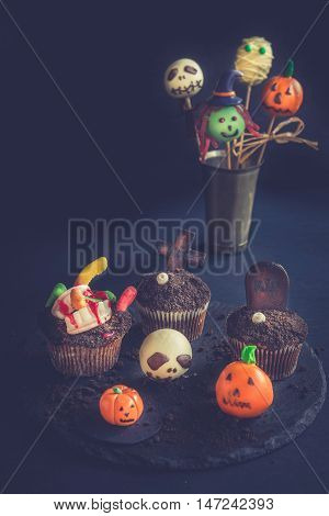 Funny Halloween Cup Cakes And Cake Pops
