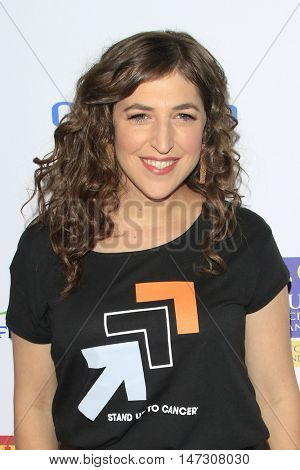 LOS ANGELES - SEP 9:  Mayim Bialik at the 5th Biennial Stand Up To Cancer at the Walt Disney Concert Hall on September 9, 2016 in Los Angeles, CA