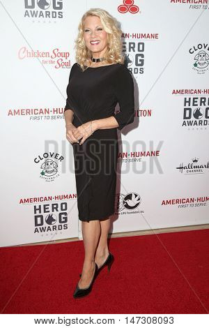 LOS ANGELES - SEP 10:  Barbara Niven at the 2016 American Humane Hero Dog Awards at the Beverly Hilton Hotel on September 10, 2016 in Beverly Hills, CA