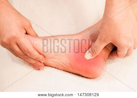 reflexology foot pain massage traditional thai style
