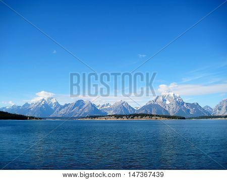 Jenny Lake at the foot of the Grand Teton Range (Wyoming, USA)