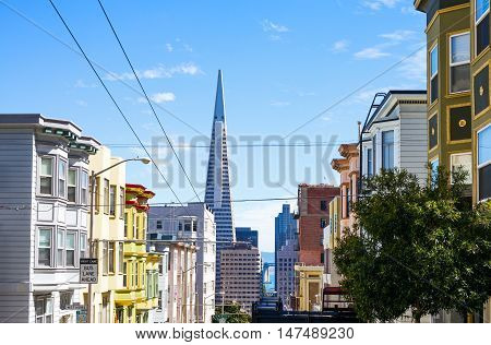 San Francisco USA - September 24 2015: Traditional architectures of the city seen from Mason street with the Transamerica Pyramid on background