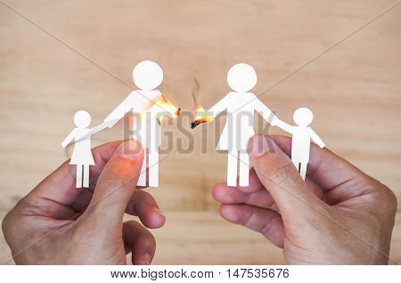 Paper cut  of family get fire / Broken family concept / divorce