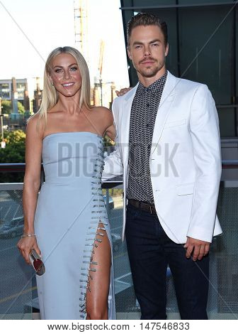 LOS ANGELES - SEP 10:  Julianne Hough and Derek Hough arrives to the Celebration of Dance Gala 2016 on September 10, 2016 in Hollywood, CA
