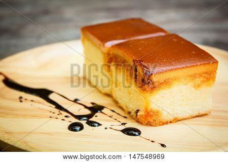 Caramel custard cake Custard chiffon cake, thai style.