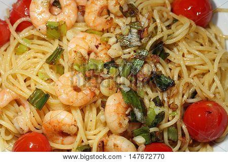 Spaghetti Aglio Olio with fresh Shrimps closup