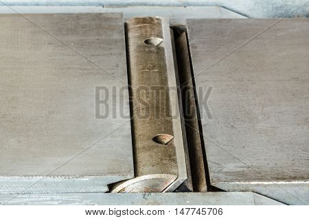 Shaft with sharp knives of woodworking jointer
