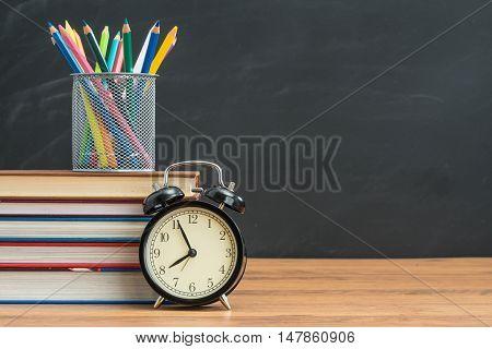 Art Class Teacher Want Everyone Be On Time