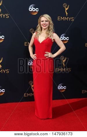 LOS ANGELES - SEP 18:  Kate McKinnon at the 2016 Primetime Emmy Awards - Arrivals at the Microsoft Theater on September 18, 2016 in Los Angeles, CA