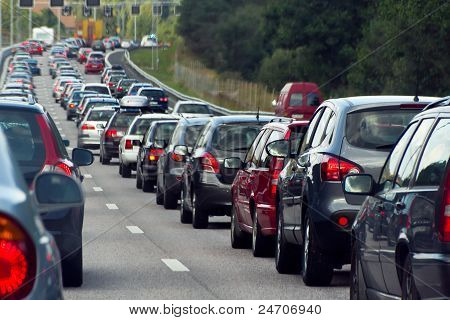 A traffic jam with rows of cars