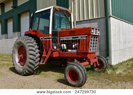 Fargo, North Dakota, June 27, 2018:  The Red International Harvester 186 Tractor The 406 Red Interna