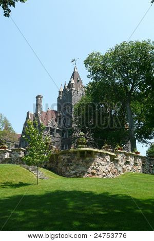 Boldt Castle attraction home tour