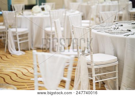 Wedding Reception Dinner Table Setting Indoor With White Chiavari Chairs For Luxury Wedding Party