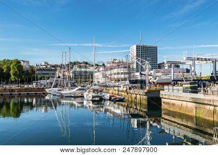 Vigo, Spain - May 20, 2017: Boats Moored In The Port Of Vigo, Galicia, Spain. The Real Club Nautico