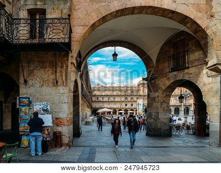 Salamanca, Spain - June 12, 2018: Archway Entrance To The Famous And Historic Plaza Mayor In Salaman