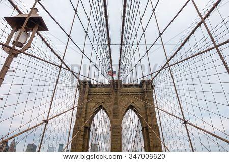 Brooklyn bridge at day time, Manhattan