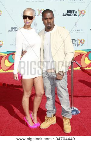 LOS ANGELES - JUN 28: Kanye West, Amber Rose at the 2009 BET Awards held at the Shrine Auditorium in Los Angeles, California on June 28, 2009
