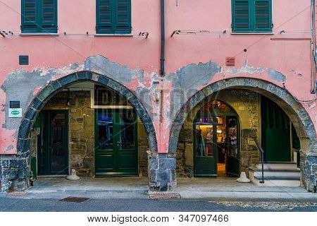 Vernazza, Liguria, Italy - October 05 2017: Colorful Building And Facet Building In Vernazza Fishing