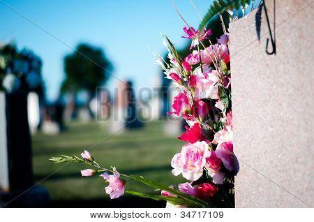 Flores y cementerio