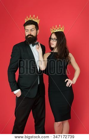 Who Is Big Boss Here. Couple In Love Wear Big Boss Crowns. Big Boss Man. Big Boss Woman. Ambitious A