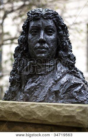 Busto de Samuel Pepys en Seething Lane jardín