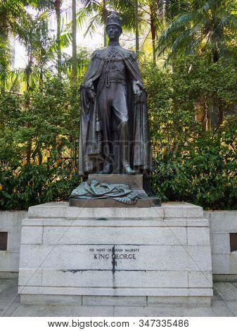 Central, Hong Kong - November 1, 2017: King George Vi Statue In Hong Kong Zoological And Botanical G