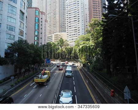 Central, Hong Kong - November 1, 2017: As The Rush Hour Approaches, The Traffic On Garden Road Gets