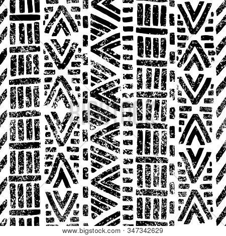 Seamless Black And White Pattern. Ethnic And Tribal Motifs. Grunge Texture. Print For Textile, Carpe
