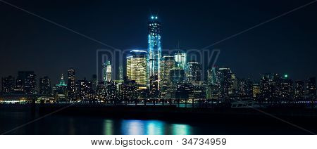 Lower Manhattan from Hudson river at night