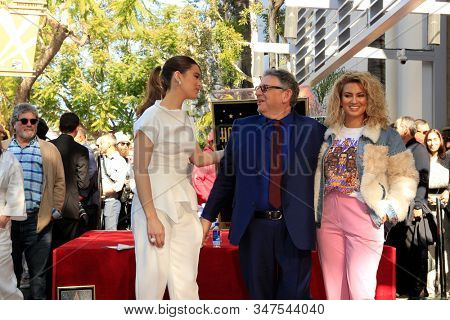 LOS ANGELES - JAN 23:  Hailee Steinfeld, Lucian Grainge, Tori Kelly at the Sir Lucian Grange Star Ceremony on the Hollywood Walk of Fame on JANUARY 23, 2019 in Los Angeles, CA