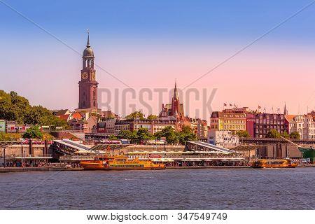 Hamburg, Germany - July 26, 2018: Hamburg Beautiful Sunset View Of Elbe River, Hamburger Landungsbru