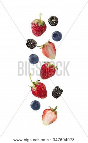 Set Of Strawberry, Blueberry And Black Berry Isolated On White Cut Out. Collage Of Whole Blueberries
