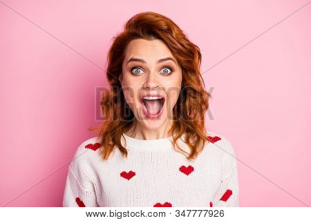 Close-up Portrait Of Her She Nice Attractive Pretty Cute Cheerful Cheery Crazy Overjoyed Ecstatic Wa