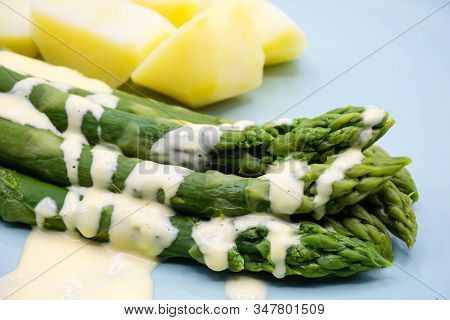 Green Asparagus With Hollandaise Sauce And Potatoes