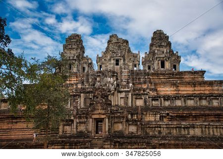Phimeanakas Temple Site Among The Ancient Ruins Of Angkor Wat