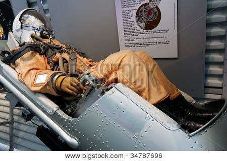 Spaceship ejection seat