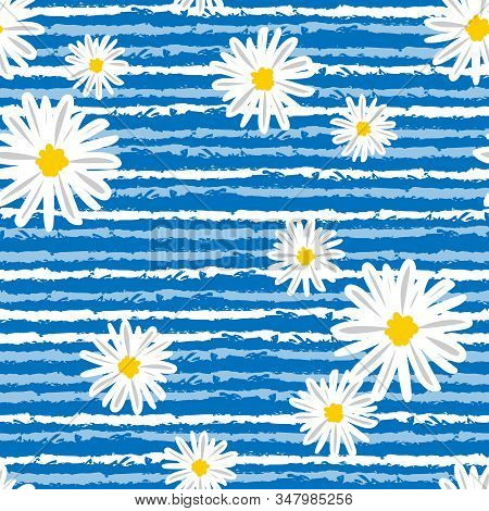 White Daisies And Line Seamless Vector Pattern Background. Daisy In Doodle Style. Tiny Flowers Seaml