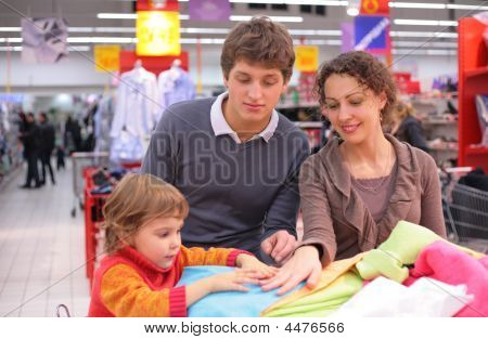 Family Choose Linen  In Shop